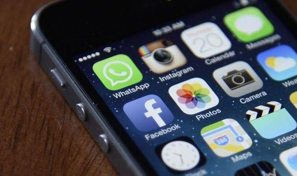 Whatsapp Crashes on iPhone with iOS 9