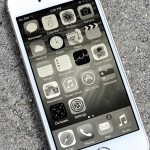 iPhone Screen Turns Black and White – Fix